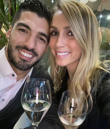 Luis Suarez with his wife Sofia (instagram- @luissuarez9)